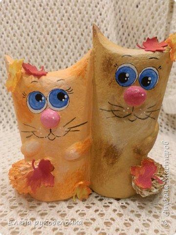 Продолжаю утилизировать рулончики от ТБ и бумажных полотенец. Кошечка сделана из рулончика от ТБ, а котик из рулончика от бумажного полотенца. Здесь можно посмотреть сову и ёжика  http://stranamasterov.ru/node/1097944 . фото 12