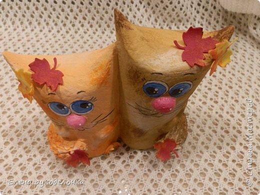 Продолжаю утилизировать рулончики от ТБ и бумажных полотенец. Кошечка сделана из рулончика от ТБ, а котик из рулончика от бумажного полотенца. Здесь можно посмотреть сову и ёжика  https://stranamasterov.ru/node/1097944 . фото 18
