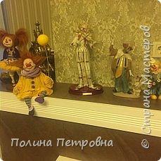 Вот такое трио моих ватных клоунов обрело дом.Теперь они живут в Москве в большой коллекции клоунов. фото 7