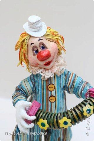 Вот такое трио моих ватных клоунов обрело дом.Теперь они живут в Москве в большой коллекции клоунов. фото 2
