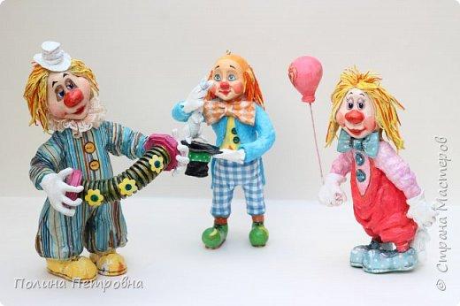 Вот такое трио моих ватных клоунов обрело дом.Теперь они живут в Москве в большой коллекции клоунов. фото 1