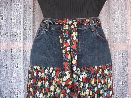 смастерила для себя юбку: кокетка от старой джинсовой юбки а подол из сарафана из трикотажа легкого  фото 2