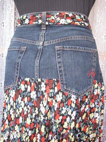 смастерила для себя юбку: кокетка от старой джинсовой юбки а подол из сарафана из трикотажа легкого  фото 3