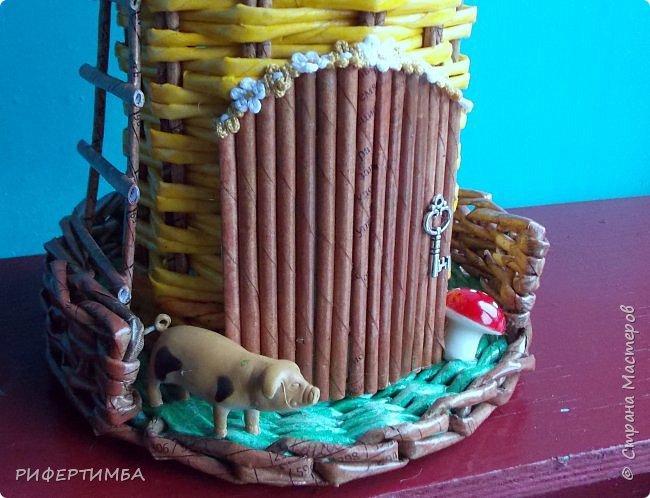 Пузатик..Вдохновила Евгения Бобрынцева вконтакте.Трубочки-офиска на 4 части.На крышке фото из календаря,на дне обои. фото 9