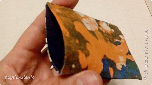 """Здравствуйте. Позвольте показать результаты моих экспериментов в горячем батике.  Очень понравилось возиться с парафином и красками для ткани.  Правда , потом голову поломала, как это все оформить в карточки... Получилась небольшая серия АТС из ткани -  """"Небо и земля"""". фото 4"""