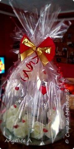 С удовольствием делюсь идеей оформлением подарков к праздникам.  Первое фото - бокалы и шампанское на свадьбу фото 3