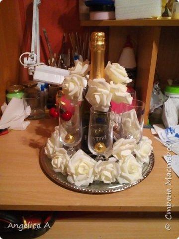 С удовольствием делюсь идеей оформлением подарков к праздникам.  Первое фото - бокалы и шампанское на свадьбу фото 7