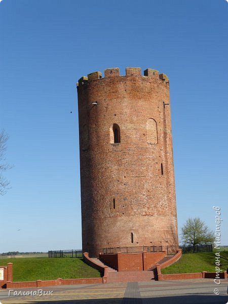 По дороге в Беловежскую Пущу наша туристическая группа заехала в город Каменец, раньше служащий опорным пунктом и преградой на пути к Берестью (Бресту),чтобы увидеть легендарную Каменецкую Вежу или Белую Вежу (башню). фото 3