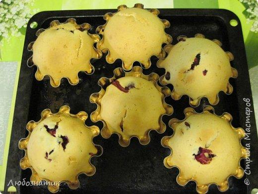 Добрый день друзья и гости! Сегодня хочу поделиться рецептом кекса со свежими ягодами.   Продукты:  120 г маргарина 200 г сахара 4 яйца 0,5 стакана молока 0,5 кг муки 250 г любых свежих или свежезамороженных ягод фото 23