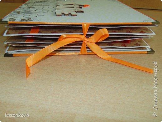 всем доброго дня! этот альбом на мамин юбилей- моя первая крупная работа в данной технике. изначально все было задумано глобальнее, с красивым и объемным декором, но времени на изготовление было катастрофически мало, потому получилось, что получилось... в изготовлении очень пригодились эти мк: http://vinograd08.blogspot.ru/2010/06/blog-post_27.html (переплет), http://stranamasterov.ru/node/783359?c=favorite (водопад). Спасибо мастерам за идею! фото 2