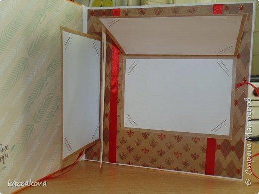 всем доброго дня! этот альбом на мамин юбилей- моя первая крупная работа в данной технике. изначально все было задумано глобальнее, с красивым и объемным декором, но времени на изготовление было катастрофически мало, потому получилось, что получилось... в изготовлении очень пригодились эти мк: http://vinograd08.blogspot.ru/2010/06/blog-post_27.html (переплет), http://stranamasterov.ru/node/783359?c=favorite (водопад). Спасибо мастерам за идею! фото 7