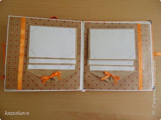 всем доброго дня! этот альбом на мамин юбилей- моя первая крупная работа в данной технике. изначально все было задумано глобальнее, с красивым и объемным декором, но времени на изготовление было катастрофически мало, потому получилось, что получилось... в изготовлении очень пригодились эти мк: http://vinograd08.blogspot.ru/2010/06/blog-post_27.html (переплет), http://stranamasterov.ru/node/783359?c=favorite (водопад). Спасибо мастерам за идею! фото 19