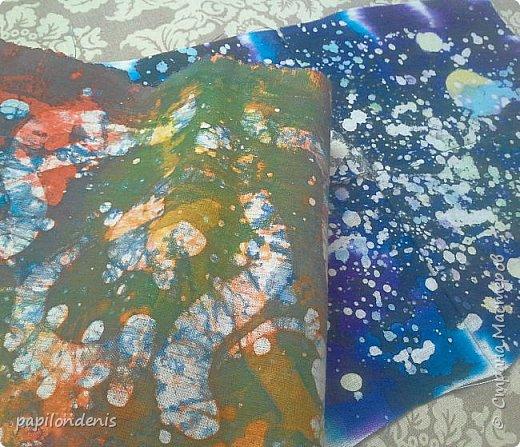 """Здравствуйте. Позвольте показать результаты моих экспериментов в горячем батике.  Очень понравилось возиться с парафином и красками для ткани.  Правда , потом голову поломала, как это все оформить в карточки... Получилась небольшая серия АТС из ткани -  """"Небо и земля"""". фото 16"""