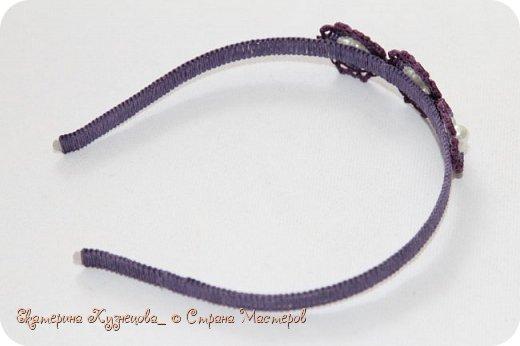 Ободок для волос с цветами.  Выполнен из вощеных нитей, с использованием бусин под жемчуг. В основе - металлическая заготовка для ободка. фото 2