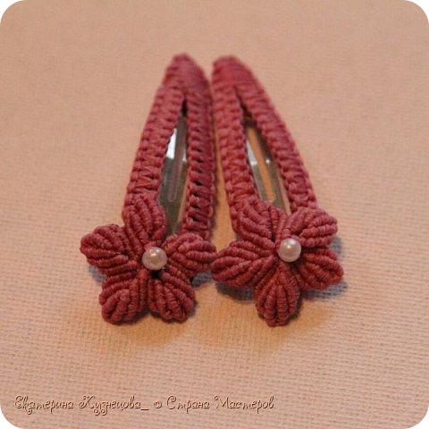 Ободок для волос с цветами.  Выполнен из вощеных нитей, с использованием бусин под жемчуг. В основе - металлическая заготовка для ободка. фото 6