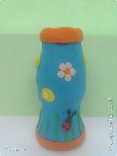 """На основе баночки от """"имунеле"""" ребята изготовили вазочки для мам на 8 Марта. Фантазия ребят безгранична. У каждого получилась своя неповторимая вазочка. фото 2"""