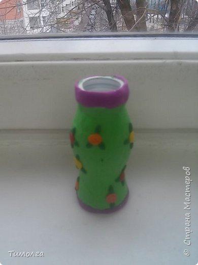 """На основе баночки от """"имунеле"""" ребята изготовили вазочки для мам на 8 Марта. Фантазия ребят безгранична. У каждого получилась своя неповторимая вазочка. фото 7"""