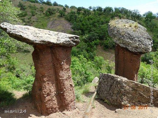 Здравствуйте, дорогие жители СМ. Хочу поделиться с вами фотографиями удивительного места - долины Сатеры. Находится это в Крыму, чуть в стороне от трассы Алушта-Судак. фото 1