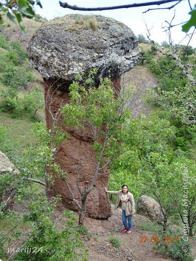 Здравствуйте, дорогие жители СМ. Хочу поделиться с вами фотографиями удивительного места - долины Сатеры. Находится это в Крыму, чуть в стороне от трассы Алушта-Судак. фото 3