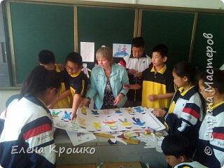 """Арт-проект «Дети планеты», на нашем сайте уже закончился, но я с огромным удовольствием использовала материалы нашего сайта в своей учебной поездке в китайскую школу по обмену. Проект """"Дети планеты"""" отправился в Китай в рамках учебного тура учащихся школы №14, г.Благовещенска Амурской области. фото 2"""