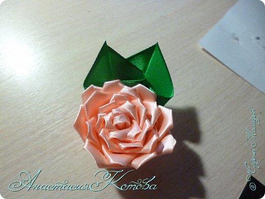 Доброго времени суток, дорогие друзья)  Сегодня я хочу рассказать вам, как сделала розу из лент. На создание одной розы у меня уходит 30 минут. фото 16