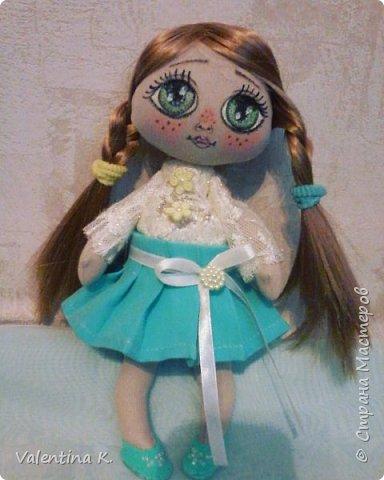 Здравствуйте!!! С недавних времён заболела шитьём кукол, как это интересно оказывается, каждая милашка получается такая разная со своим характером. Приятного всем просмотра и хорошего настроения, ведь скоро лето!!! фото 8