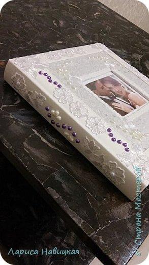 Альбом был готовый,я его немного приукрасила,коробку делала с нуля. фото 3