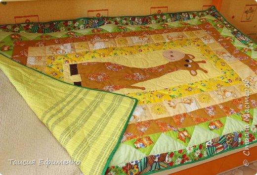 Т.к. вся детская у нас в стиле Африка, то и покрывало решила сделать с жирафиком:) фото 7