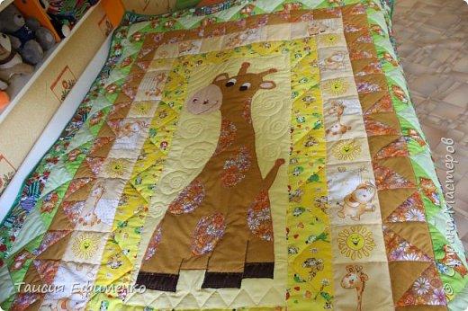 Т.к. вся детская у нас в стиле Африка, то и покрывало решила сделать с жирафиком:) фото 3