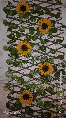панно-плетень с подсолнухами