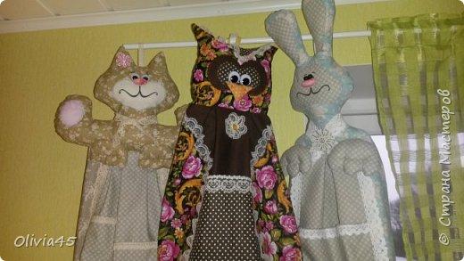 кошачья семейка...грелки на чайник ( большой-на самовар). цветовая гамма по желанию заказчицы...вот, уже и на заказ шью)))  фото 3