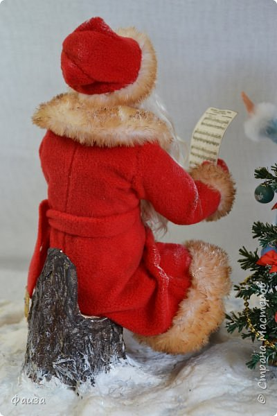 Должен же быть и у Деда Мороза такой праздник. По такому случаю споем песню)))) Все выполнено вручную. фото 7