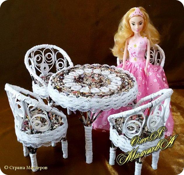 Здравствуйте! Скоро у моей племашки-крестницы День рождения. Ей исполнится 6 лет. И вот такой подарок подготовила ей на этот раз ее крестная. Конечно это не карета из тыквы, бальное платье и хрустальные башмачки, а всего лишь кукольная мебель))) фото 5