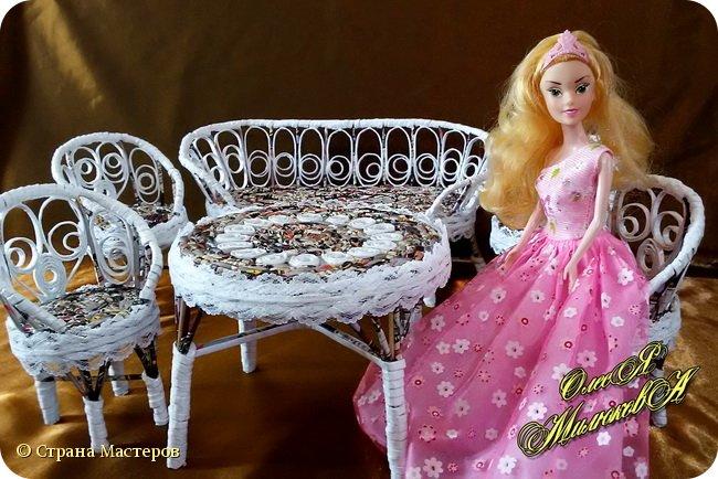 Здравствуйте! Скоро у моей племашки-крестницы День рождения. Ей исполнится 6 лет. И вот такой подарок подготовила ей на этот раз ее крестная. Конечно это не карета из тыквы, бальное платье и хрустальные башмачки, а всего лишь кукольная мебель))) фото 7