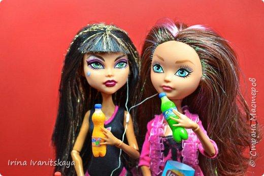 В этом уроке по лепке я покажу как сделать напитки для кукол. Мы сделаем Колу, Спрайт и фанту - бутылочки в миниатюре. Приятного вам просмотра! фото 2