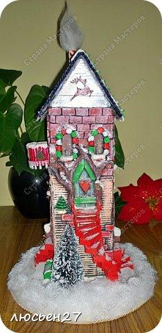 Зимой один магазин для хобби устраивал Рождественский конкурс поделок. Нужно было сделать любую поделку на Новогоднюю тему. Я сделала домик-светильник и заняла 1-ое место ))) фото 1