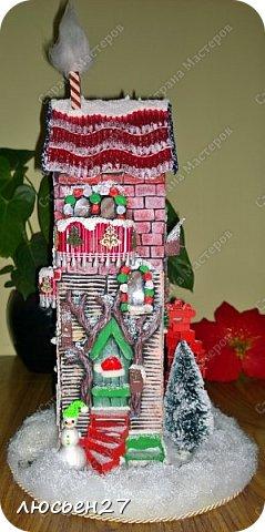 Зимой один магазин для хобби устраивал Рождественский конкурс поделок. Нужно было сделать любую поделку на Новогоднюю тему. Я сделала домик-светильник и заняла 1-ое место ))) фото 2