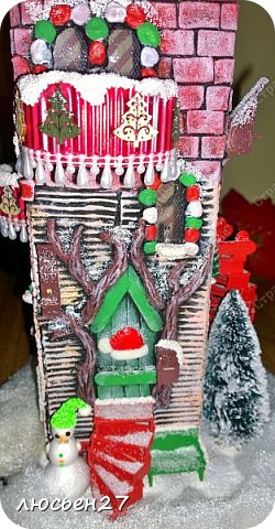 Зимой один магазин для хобби устраивал Рождественский конкурс поделок. Нужно было сделать любую поделку на Новогоднюю тему. Я сделала домик-светильник и заняла 1-ое место ))) фото 6