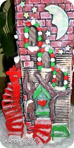 Зимой один магазин для хобби устраивал Рождественский конкурс поделок. Нужно было сделать любую поделку на Новогоднюю тему. Я сделала домик-светильник и заняла 1-ое место ))) фото 7