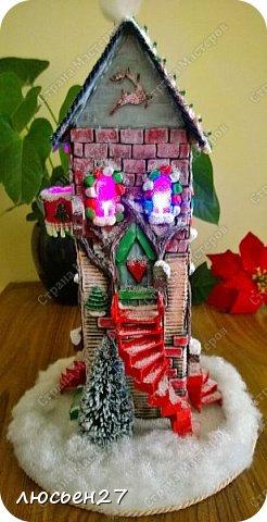 Зимой один магазин для хобби устраивал Рождественский конкурс поделок. Нужно было сделать любую поделку на Новогоднюю тему. Я сделала домик-светильник и заняла 1-ое место ))) фото 9