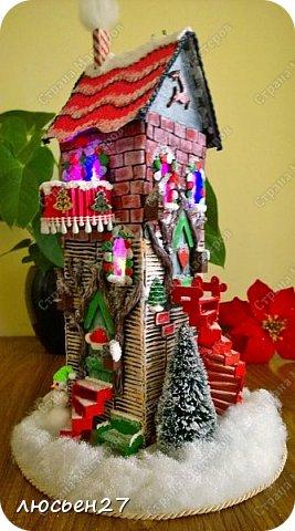 Зимой один магазин для хобби устраивал Рождественский конкурс поделок. Нужно было сделать любую поделку на Новогоднюю тему. Я сделала домик-светильник и заняла 1-ое место ))) фото 10