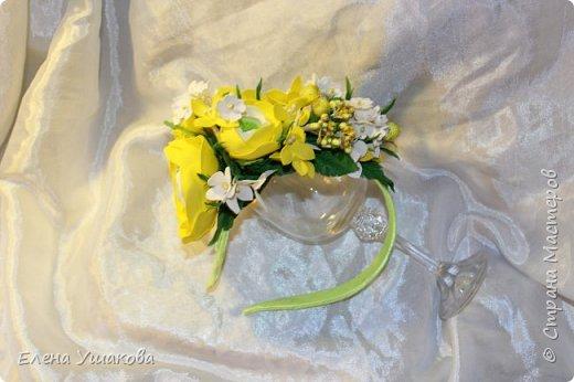 Ободочек яркий и летний с ранункулюсом и цветочками фото 1