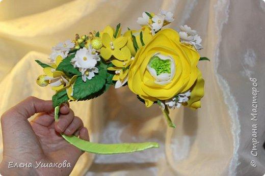 Ободочек яркий и летний с ранункулюсом и цветочками фото 5