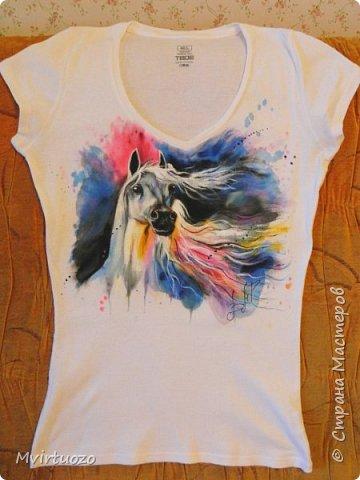 Добрый день.. И снова я со своими футболками.. Снова комплектик - для двух сестренок. Взрослая обожает лошадей, ездит верхом. Ей - конь-огонь! фото 2