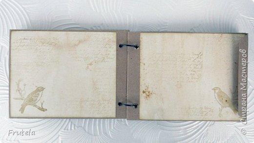 Винтажный альбом размером 14х20 .Основа выполнена из конвертов(туда помещается достаточное количество фото), фоновая бумага состарена и отштампована. фото 8
