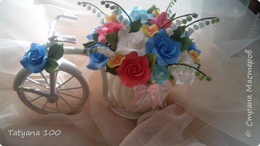 Велосипед с цветами из полимерной глины фото 1