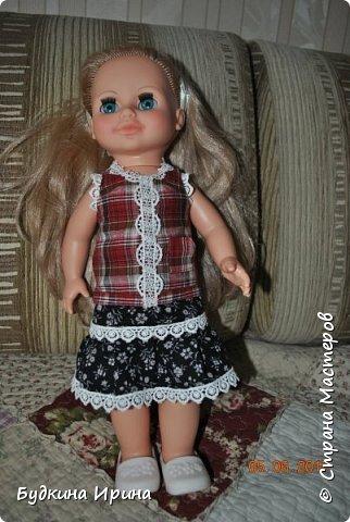 Одежда для куколок. Платьице, юбочка и жилетка фото 5