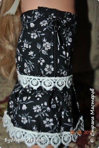 Одежда для куколок. Платьице, юбочка и жилетка фото 8