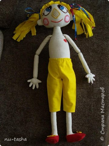 Свершилось! Наконец-то, появился важный повод- 1 год Софии- и я сшила вот такую куклу в подарок любимой девочке. Очень давно смотрела на кукол Светланы Хачиной, собиралась, да все руки не доходили.... Светлана, большое спасибо за подробные МК и поддержку при шитье.  фото 7