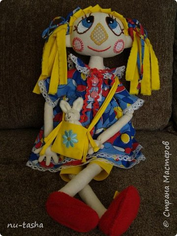 Свершилось! Наконец-то, появился важный повод- 1 год Софии- и я сшила вот такую куклу в подарок любимой девочке. Очень давно смотрела на кукол Светланы Хачиной, собиралась, да все руки не доходили.... Светлана, большое спасибо за подробные МК и поддержку при шитье.  фото 1